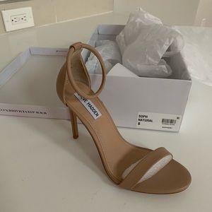 Steve Madden 'Soph' nude heel sandals - size 8